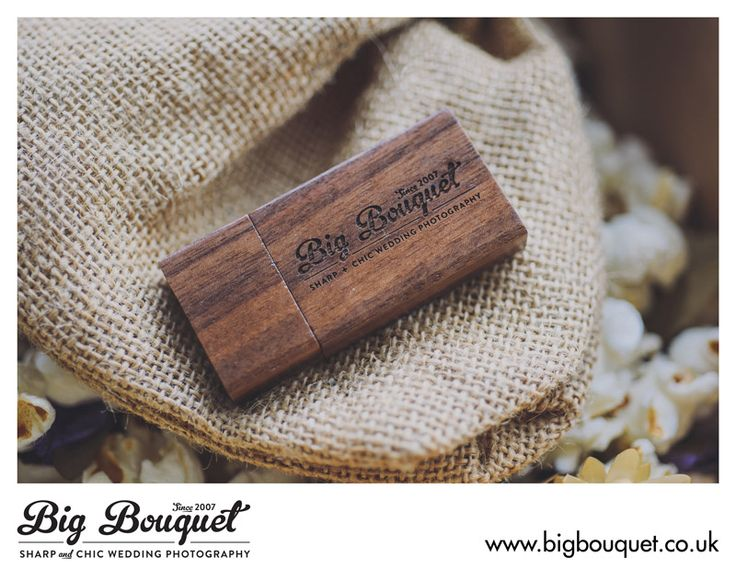 Big Bouquet Engraved Woodland USB