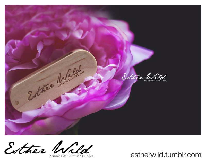 Esther Wild photography USB