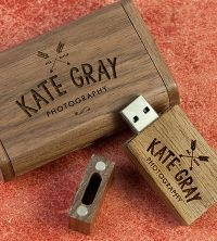 wooden USB stick and Box engraved with a photographer's logo