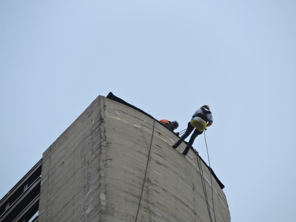 Karen from USB2U abseils down the Northampton Lift Tower