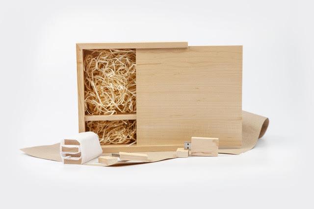 USB Prints Box with Wood Wool filling